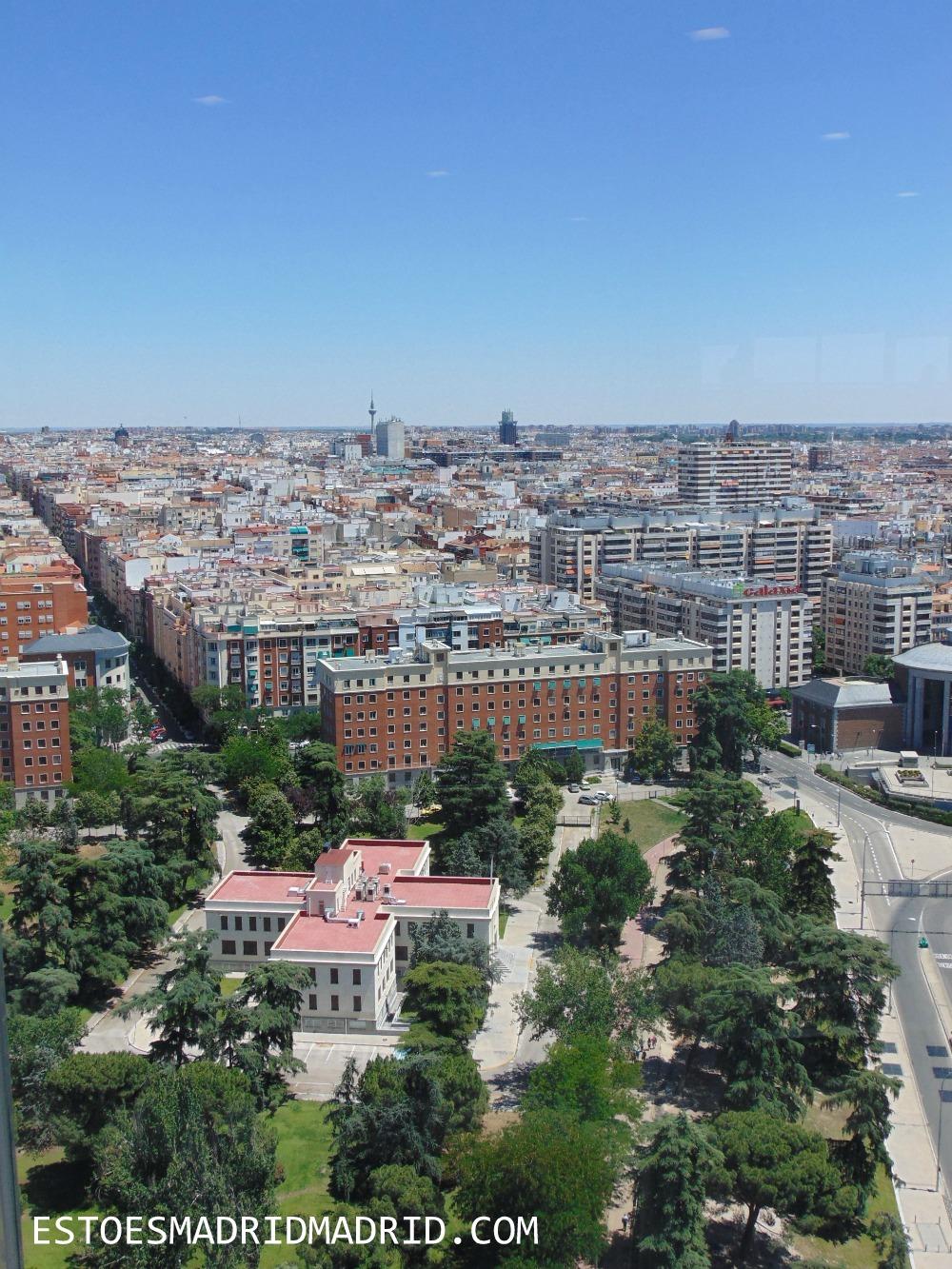 O céu azul de Madrid sem filtros!