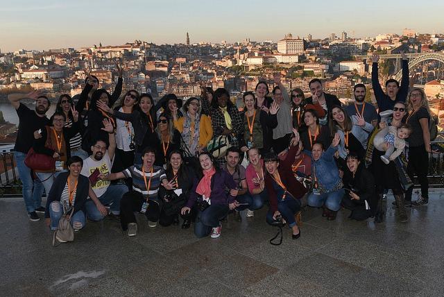 Blogueiros apaixonados por viagens na cidade do Porto. Foto: CC BY-NC-ND Associação de Turismo do Porto e Norte, AR.