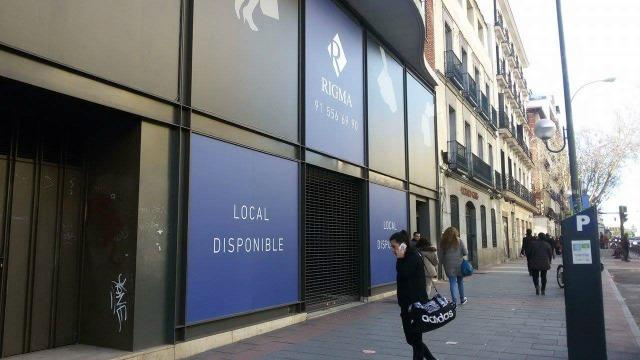 Negócios fechados na Rua Princesa, uma das mais comerciais