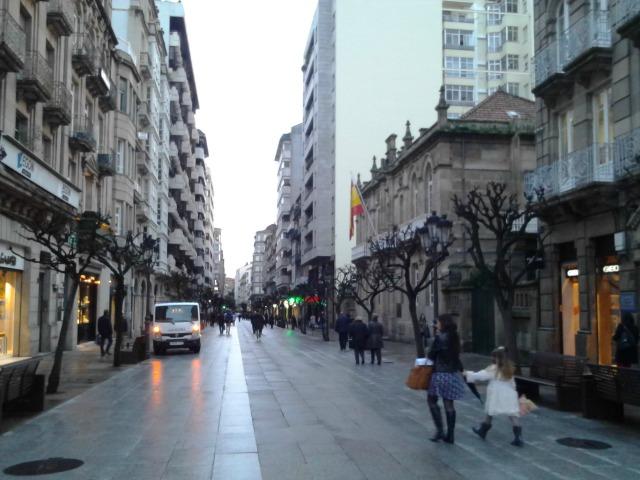 Principal rua comercial de Ourense